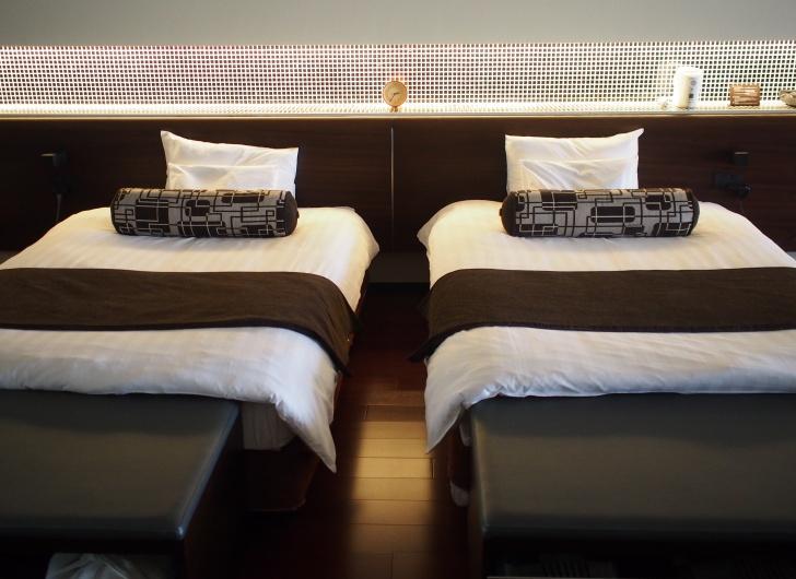大きくてふかふかのベッド。熟睡しました。