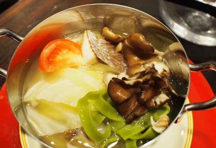 函館産鯛と野菜のアクアパッツァ