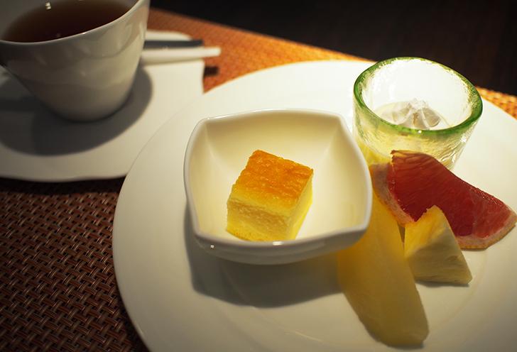 デザート ベイクドチーズケーキ、ミルクプリン、季節のフルーツ(和洋共通)