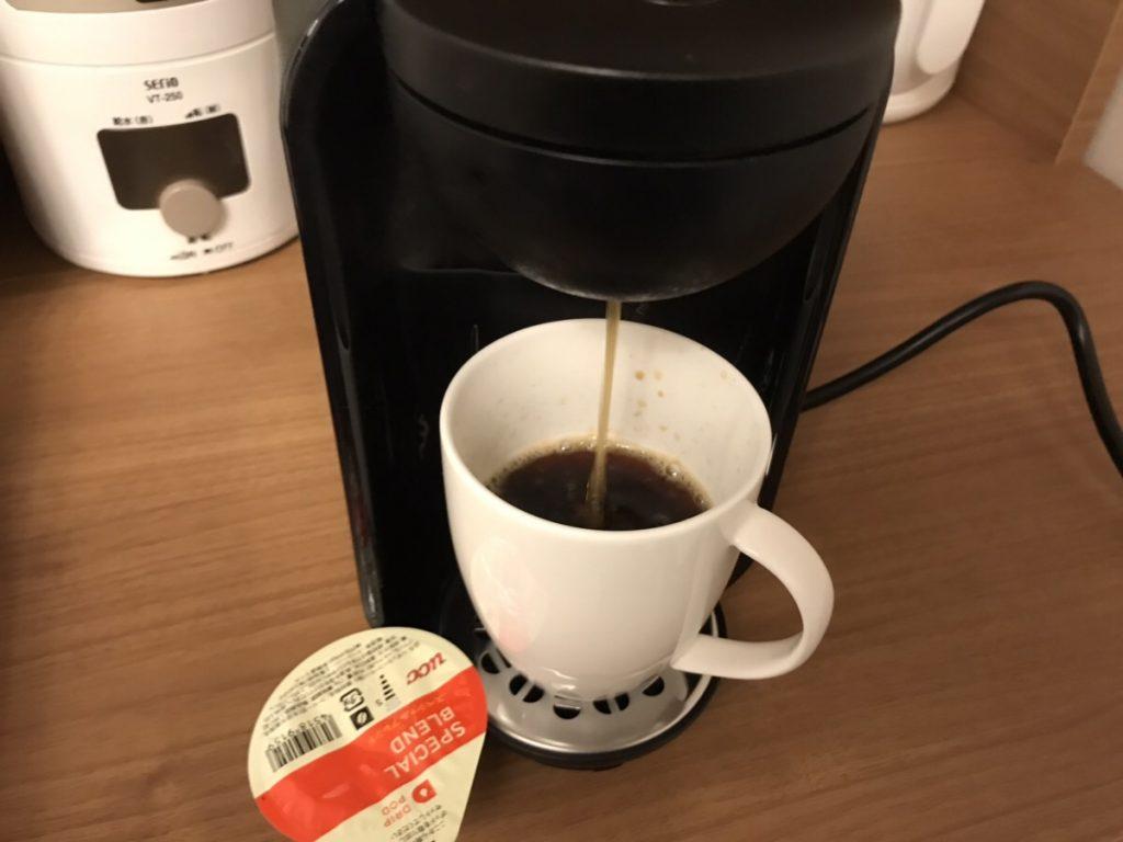 コーヒーメーカーで抽出中