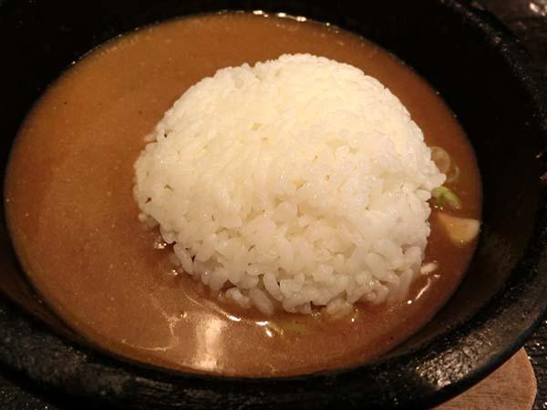 〆丼をスープに投入