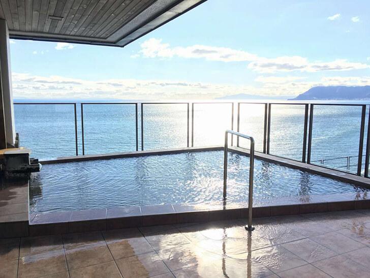 津軽海峡を一望できる展望露天風呂