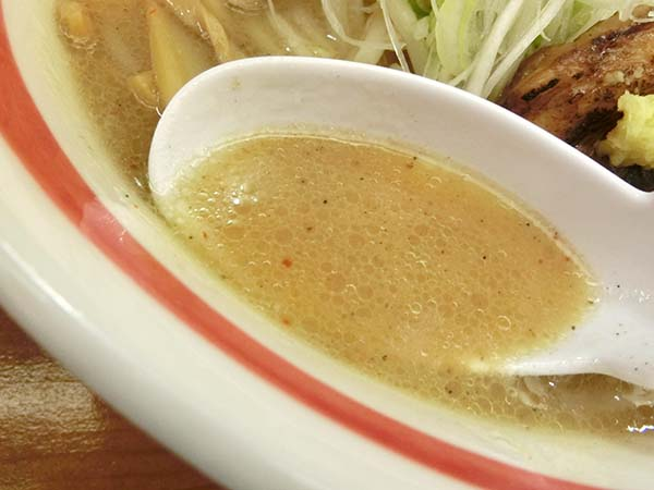 独特のスパイスを使ったスープ