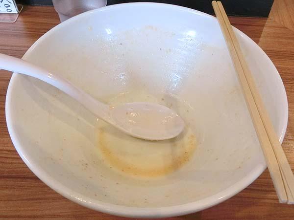 スープまで飲み干したラーメン丼