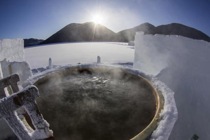 世界でここだけの然別湖「氷上露天風呂」