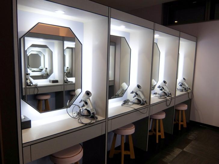 大浴場更衣室のドレッサー