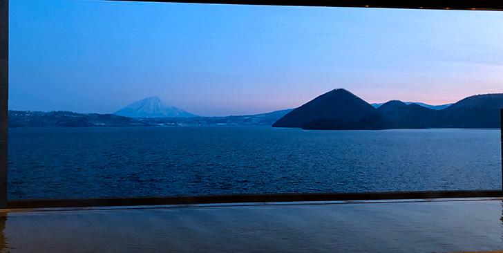 美しき薄明の洞爺湖