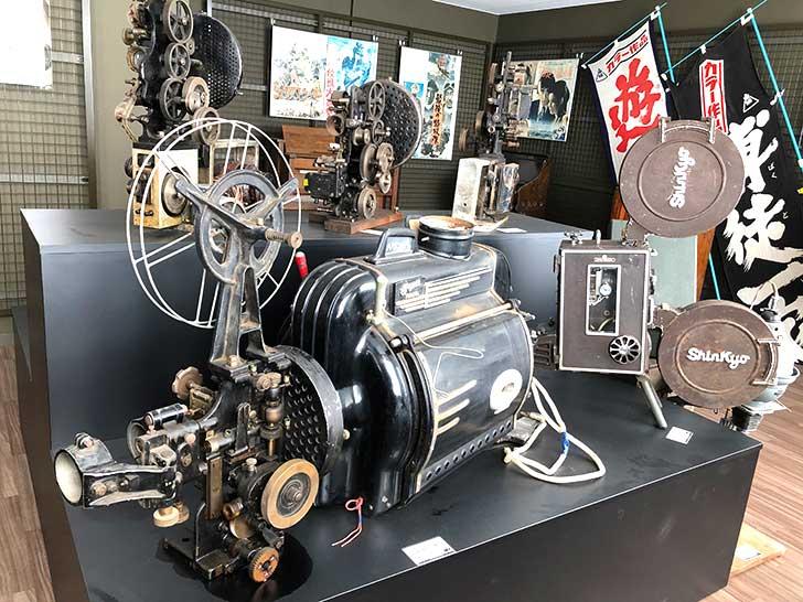 洞爺郷土資料室2階、本格的な映写機