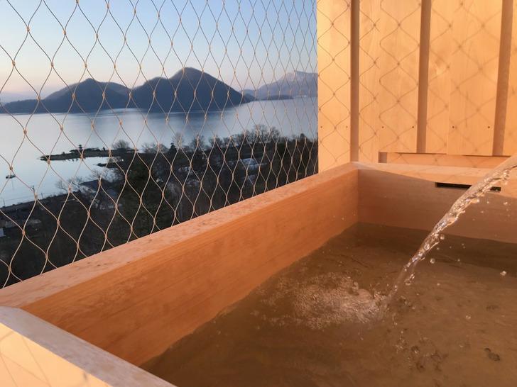 バルコニーの客室露天風呂