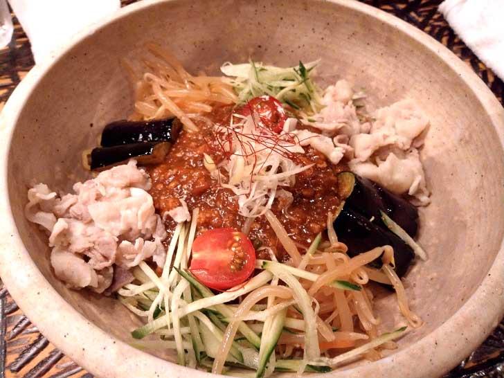「ジャージャー麺」(単品780円)ナスの素揚げ、大好き!
