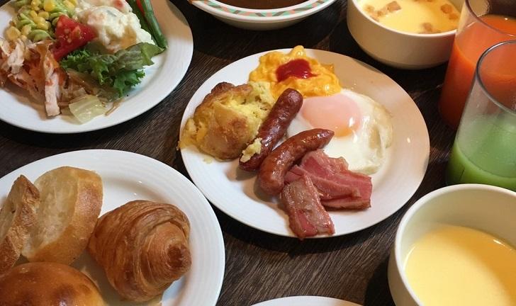 定山渓万世閣ホテルミリオーネ朝食ブッフェの写真