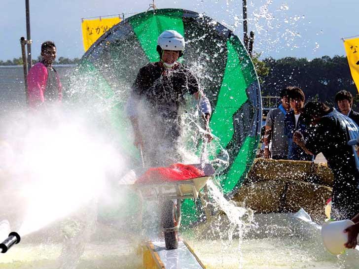 ながぬまマオイ夢祭りのダイナミックで笑えるイベントの写真