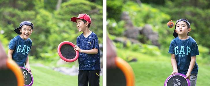 ソラニワガーデンの遊具で遊ぶ少年