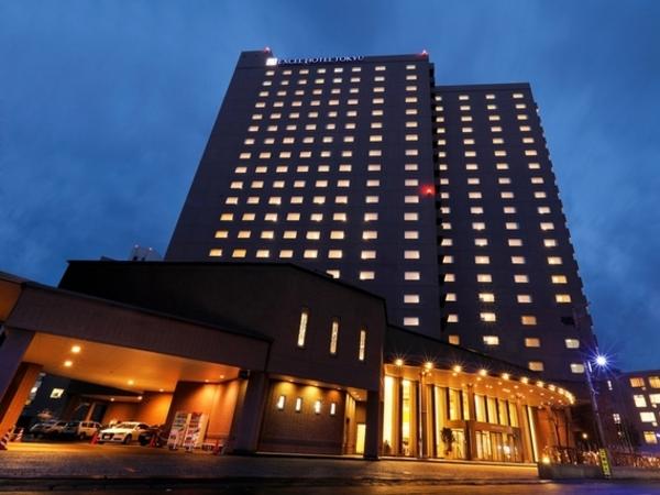 札幌エクセルホテル東急の夜の外観