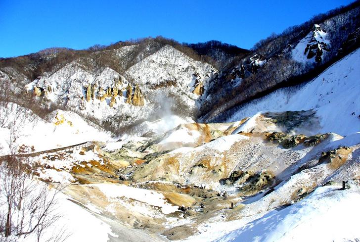 冬の地獄谷全景