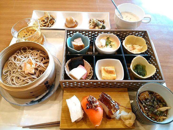 【朝陽亭】早紅葉(朝食)