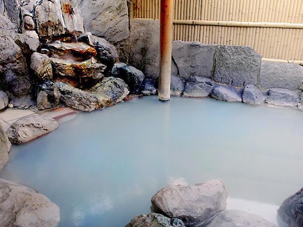 清水屋の野趣あふれる露天風呂