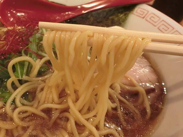 細めのちぢれ麺