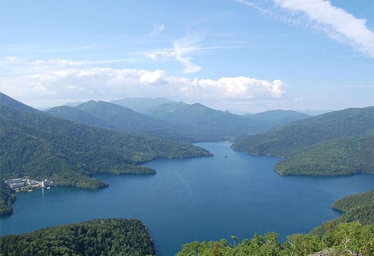 然別湖全景