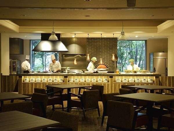 定山渓万世閣ホテルミリオーネ(ライブキッチンが夜のお食事を楽しく演出♪)