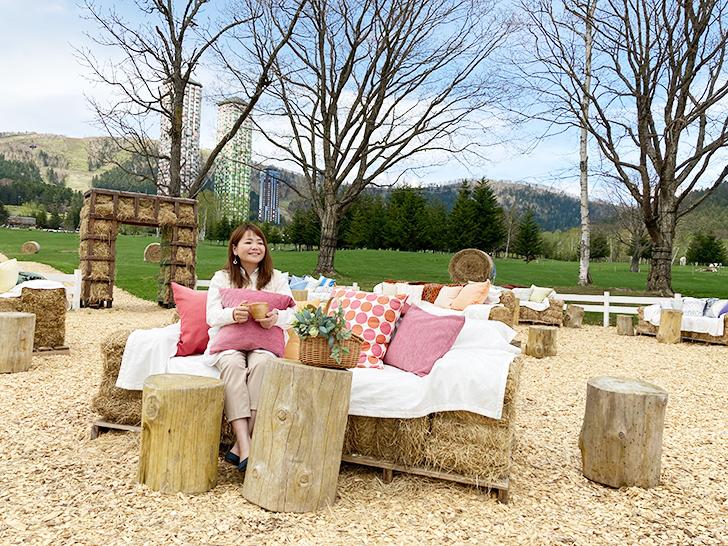 星野リゾートトマム巨大牧草ベッド