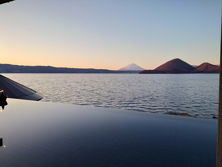 湖の栖ロビーからの眺め